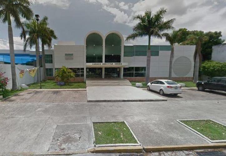 El modulo alterno instalado en la Canacome busca agilizar para los meridanos los trámites al abrir un negocio. (Google Maps)