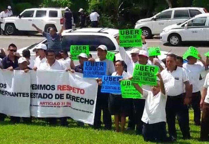 Las unidades se concentraron a la altura de la avenida Libramiento. (Javier Ortiz/ SIPSE)