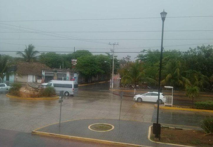 Copiosas e intensas lluvias se registraron en el municipio. (Rossy López/SIPSE)