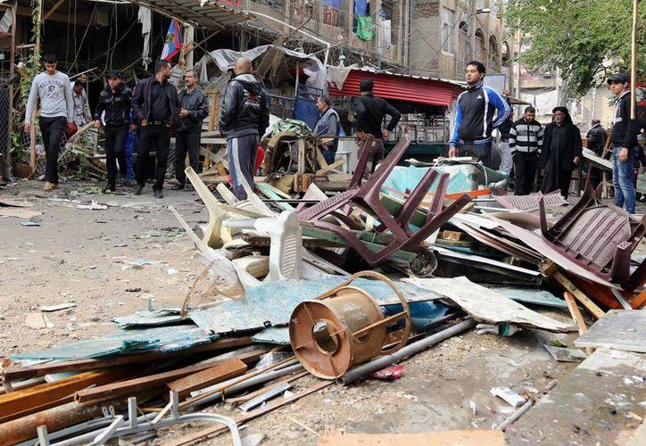 De acuerdo con la policía, el autor del atentado se estacionó en el mercado y pidió a otras personas descargar las verduras. Luego vino la detonación. (Agencias)