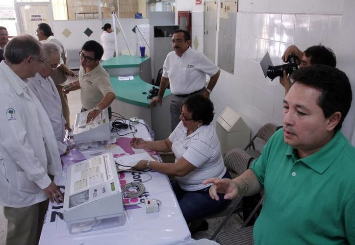 Personal del Hospital O'Horán participó en simulacro. (Juan Albornoz/SIPSE)