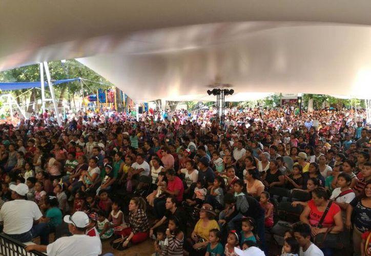Desde el pasado 21 de abril y hasta hoy, las familias yucatecas gozaron, sin costo alguno, de payasos, magos y otras actividades recreativas. (SIPSE)