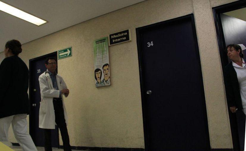 Todo el tiempo hay suplencias que cubrir en hospitales del IMSS. (José Acosta/SIPSE)