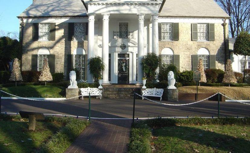 Cientos de artículos pertenecientes a Elvis Presley serán subastados. En la imagen, Graceland el hogar del fallecido cantante. (Foto AP)
