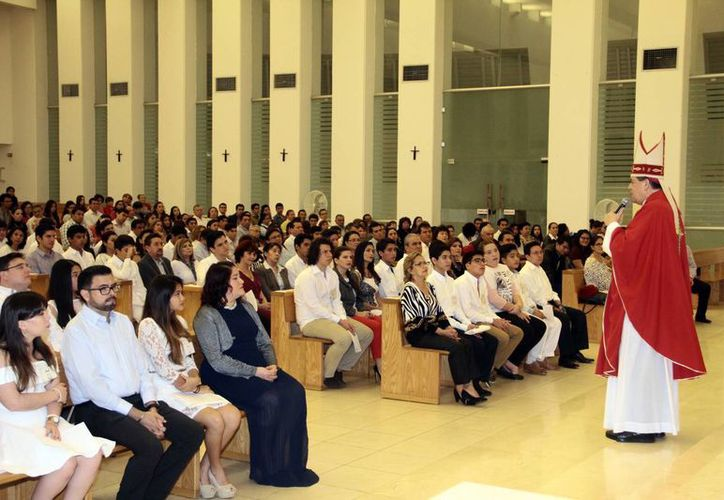 Imagen del encuentro en Cristo Resucitado, el cual reunió a familiares y amigos. (Jorge Acosta/SIPSE)