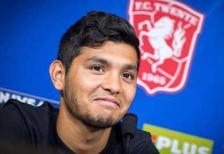 Jesús Corona 'Tecatito' cumplió un año con el Twente. (Facebook)