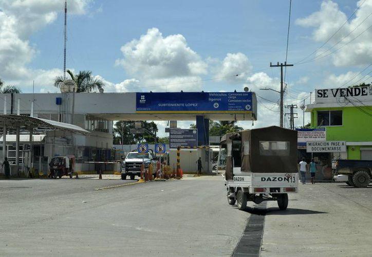 El puente fronterizo de la comunidad de Subteniente López cumple siete meses detenido. (Archivo/SIPSE)