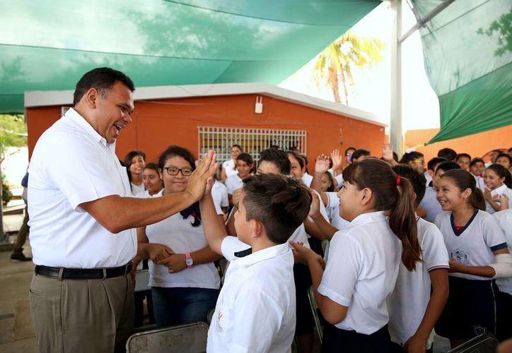 El gobernador Rolando Zapata acudirá a tres eventos oficiales este viernes, entre ellos la celebración por el 125 aniversario de la Secretaría de Comunicaciones y Transportes. (Milenio Novedades)