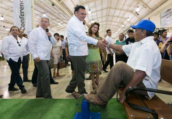 Este jueves el gobernador de Yucatán presidirá la entrega del techado de cancha de usos múltiples e inauguración de la biblioteca y edificio administrativo del plantel Conalep III. (SIPSE)