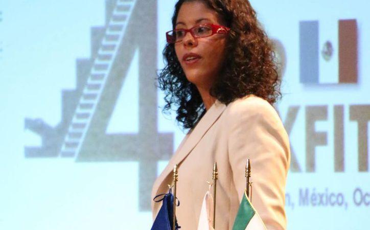 Hajer Najjar, directora general de la Cámara de Comercio Franco Mexicana (CCFM), durante una conferencia en el marco del programa de movilidad educativa Mexfitec. (SIPSE)