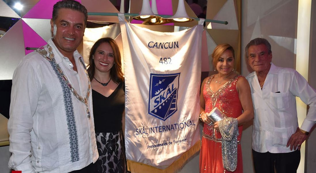 Cena navideña Skal International Cancún