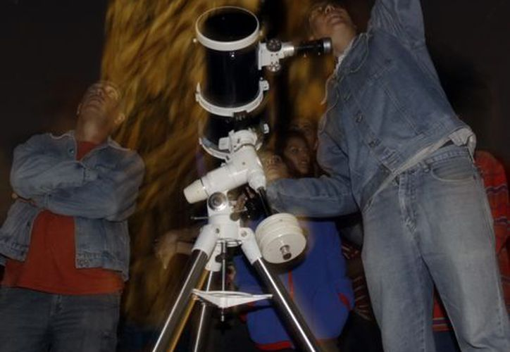 Se pudieron observar los cuerpos celestes en telescopios. (Christian Ayala/SIPSE)