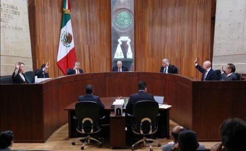 La medida es obligatoria para partidos y autoridades electorales: TEPJF. (www.ultra.com.mx/Archivo)