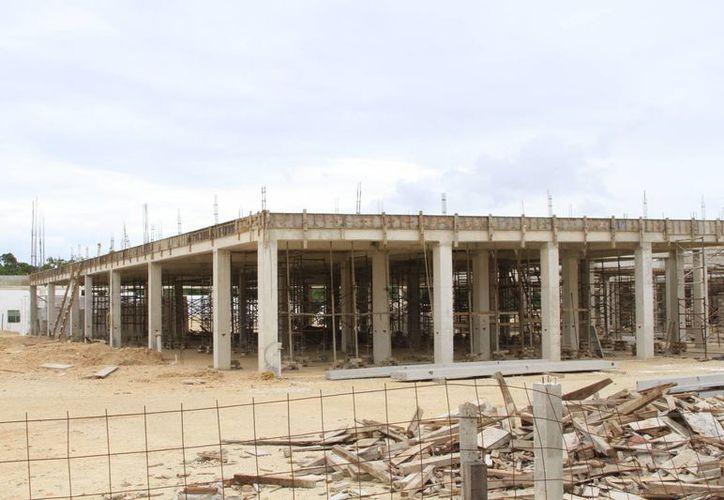 La construcción de dos hospitales en la zona sur de Quintana Roo tiene avances importantes. (Ángel Castilla/SIPSE)