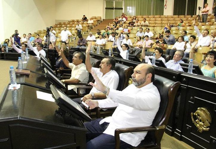 Diputados de Yucatán en la sesión celebrada este martes. (SIPSE)