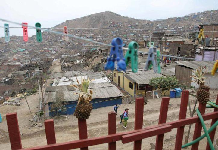 Vista general de una zona rural de Perú, donde han caído drásticamente los niveles de pobreza extrema. (EFE/Archivo)