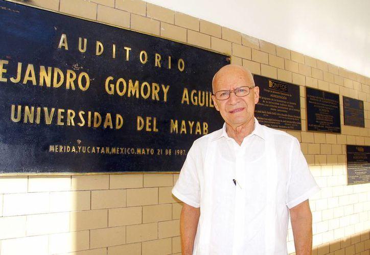 Eduardo Espinosa y Macín, coordinador de campos clínicos de la Unimayab. (Juan Albornoz/SIPSE)