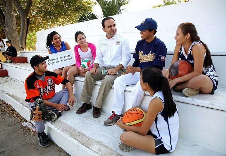 Nerio Torres Arcila defendió al deporte como método para inculcar la disciplina en los jóvenes. (Cortesía)