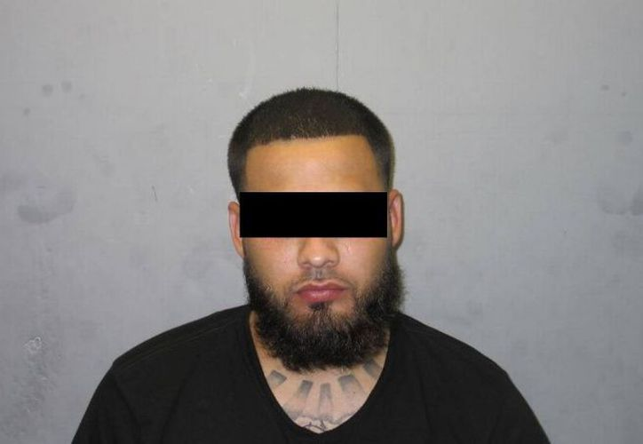 El hombre fue detenido cuando agentes allanaron su casa de 800 mil dólares en Doral. (El Debate)