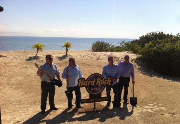 El proyecto fue presentado el 19 de enero del 2015 por las firmas Hard Rock International, All Inclusive Collections y RCD Resorts, las cuales colocaron la primera piedra. (Contexto/SIPSE)
