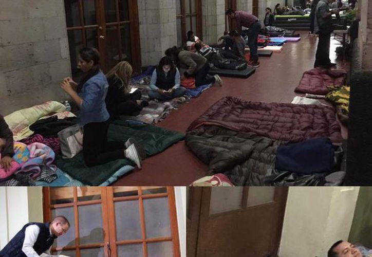 Ricardo Anaya publicó en su cuenta de Facebook varias fotos del lugar donde pasaría la noche dentro del Palacio de gobierno Veracruz en apoyo a los alcaldes en protesta. (facebook.com/RicardoAnayaC)