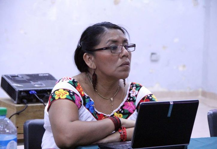 Candelaria Lázaro habló de la mujer indígena en el medio artístico. (José Acosta/SIPSE)