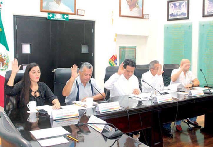 Los integrantes de la Comisión Permanente recibieron 4 iniciativas legislativas que turnaron a las comisiones respectivas. (Enrique Mena/SIPSE)