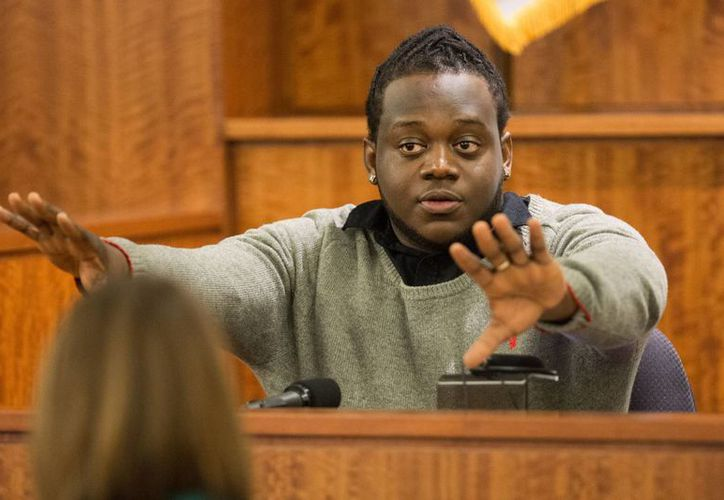 Kwami Nicholas fue este martes testigo en el juicio que se le sigue al exjugador de la NFL Aaron Hernández por el crimen contra un jugador semiprofesional de futbol americano. (Foto: AP)
