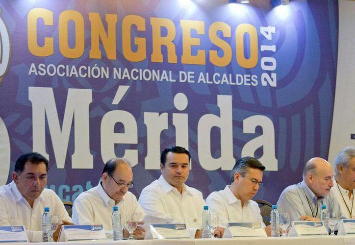 Alcaldes de todo México se reunieron en Mérida para hablar de participación ciudadana, en el marco del III Congreso Nacional de la Anac. (NTX)