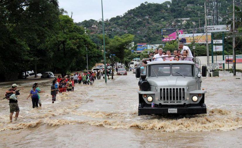 Cuatro días fueron suficientes para dejar en estado de emergencia numerosos municipios en todo el país. (EFE)