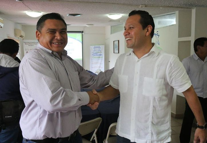 El académico aseguró que llegó a la isla buscando un mejor futuro y lo logró gracias a sus estudios. (Gustavo Villegas/SIPSE)
