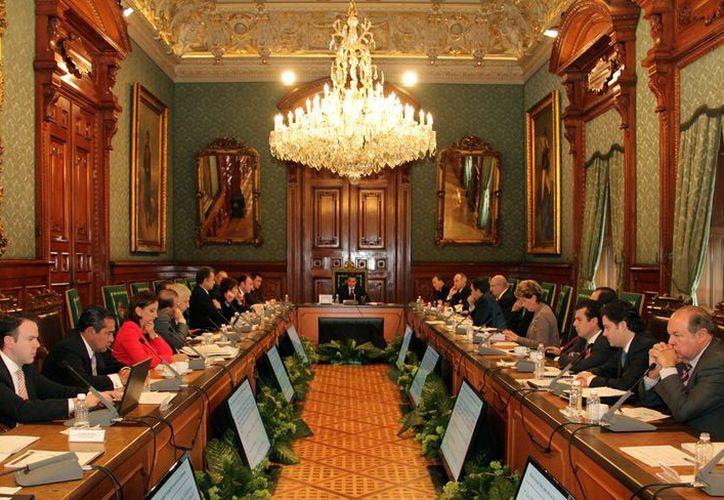 El presidente se reunió con su gabinete para anunciar la conformación de Gabinetes Temáticos, en Palacio Nacional. (Notimex)