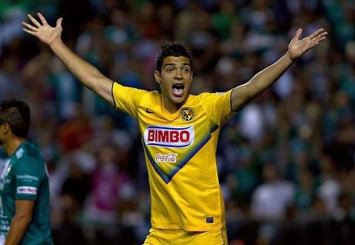 Raul Jiménez aún no ha viajado a Madrid. (Mediotiempo)