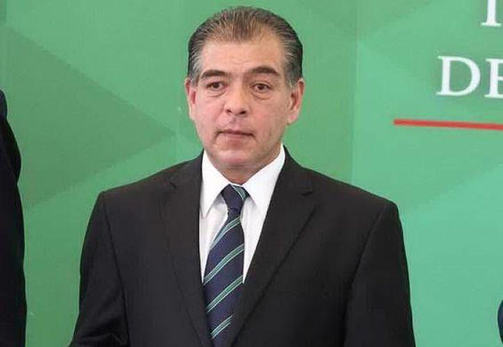 El presidente de la Condusef, Mario Di Costanzo, alertó sobre las grandes cantidades de dinero que obtienen delicuentes a través de fraudes a tarjeta habientes. (Notimex)