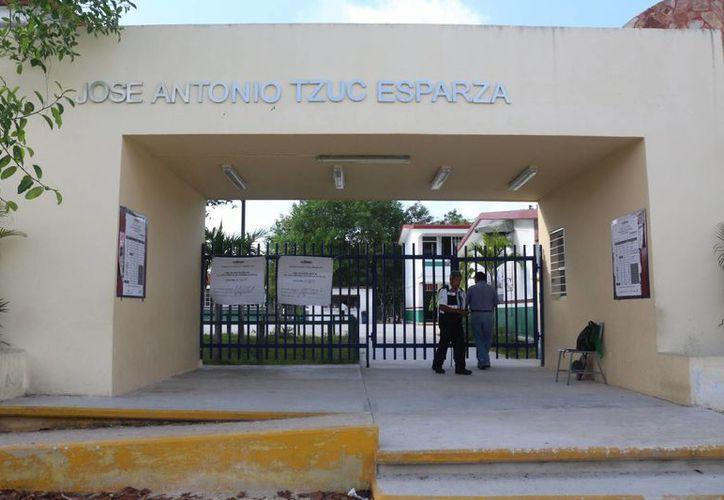 Debido que la obra está inconclusa, los alumnos estudian en escuelas alternas. (Foto: Adrián Barreto)
