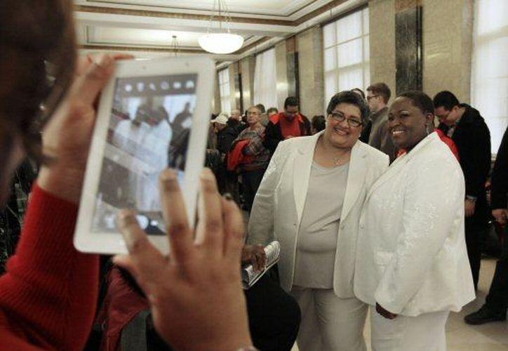 Washington comenzó a celebrar matrimonios gay los primeros minutos de la entrada en vigor de la ley. (Agencias)