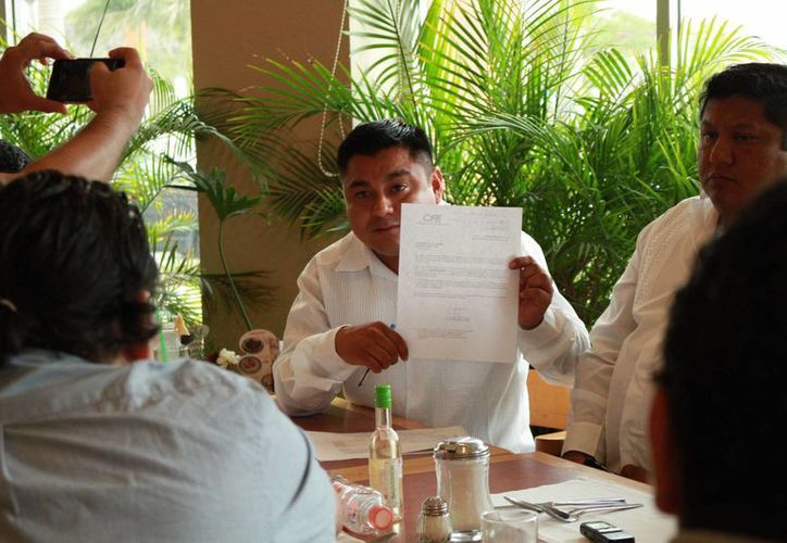 Encabezados por el alcalde de Umán, Freddy Ruz Guzmán (foto), cinco presidentes municipales acusaron a la CFE por varias irregularidades, como elevar hasta en un 40 por ciento la facturación por consumo de energía eléctrica en las alcaldías. (Jorge Acosta/Milenio Novedades)