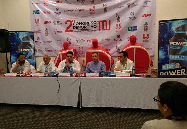 En la presentación del 'Line up' del segundo congreso deportivo, contó con la presencia de Álvaro Morales, conductor de ESPN. (Marco Moreno/SIPSE)
