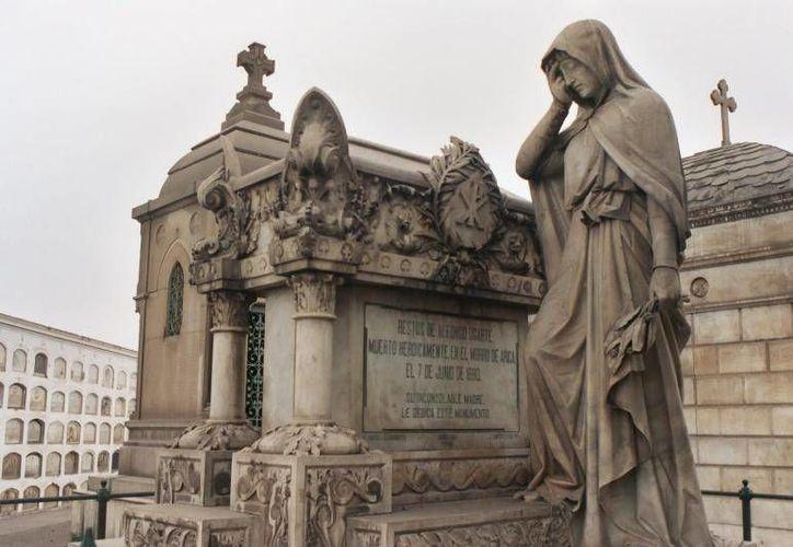El panteón Matías Maestro es un monumento histórico en Lima, Perú. (Jorge Moreno/SIPSE)