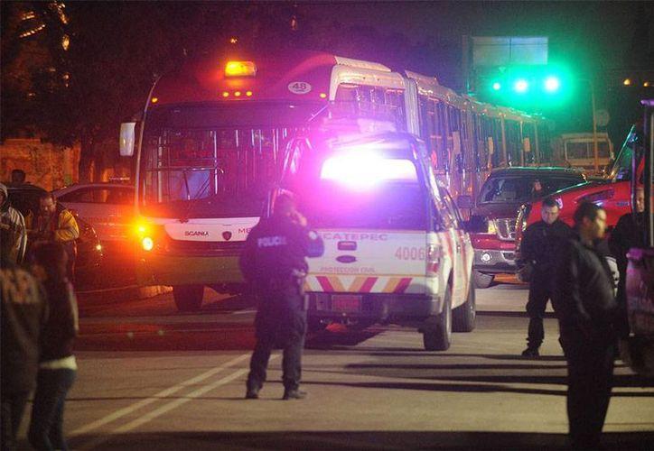 La PGR abrió una investigación por los ataques contra unidades transporte de la empresa Mexibús. (excelsior.com.mx)