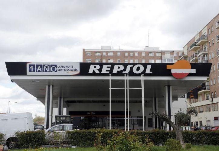 Repsol inauguró su primera estación de servicio gasolinero en México, en la carretera Picacho Ajusco. (AFP)