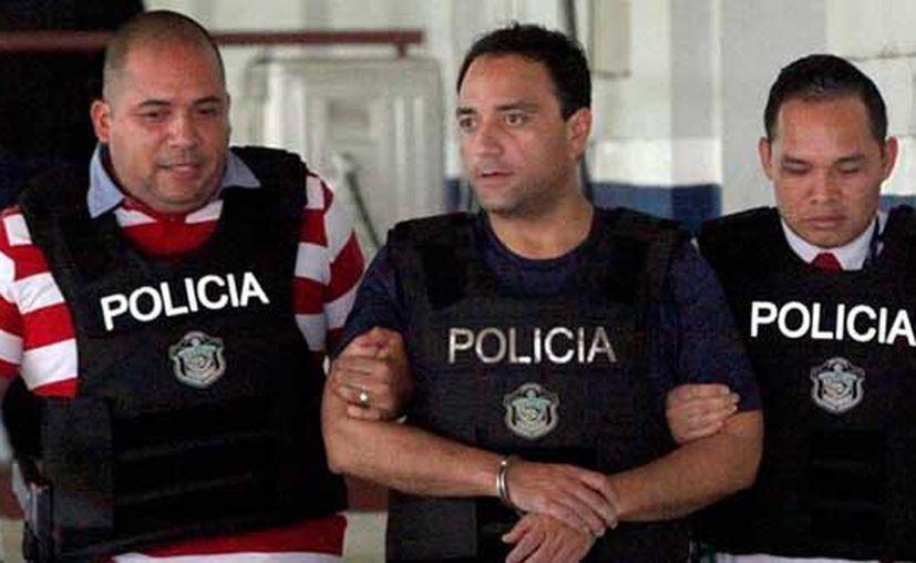 """El exgobernador de Q. Roo, Roberto Borge, fue trasladado esta tarde al """"Ministerio Público"""" de Panamá. (Twitter)"""