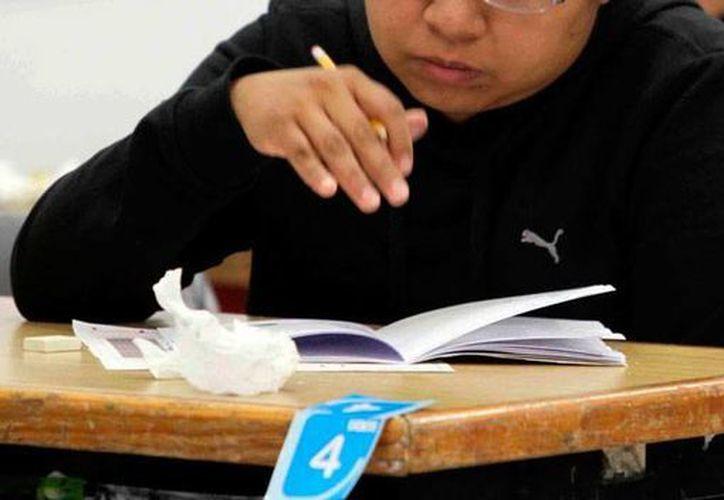 Profesores de secundaria que buscan una plaza definitiva presentarán 3 exámenes para 'pelear' por una. La imagen está utilizada con fines únicamente ilustrativos. (Archivo/SIPSE)