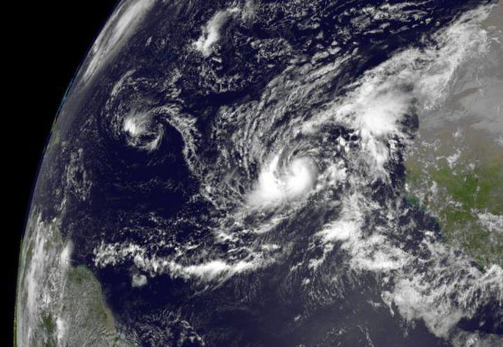 """Imagen divulgada por el Centro Nacional de Huracanes (CNH) del huracán """"Humberto"""", ya convertido en depresión. (EFE)"""