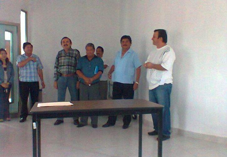 Al curso de prevención sobre problemas de sexualidad y otros asistieron 60 profesores y 11 instructores de educación Telesecundaria. (Carlos Yabur/SIPSE)