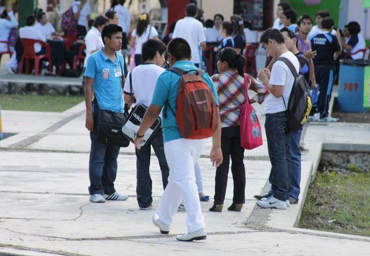 Atenderán a los jóvenes aspirantes que presentaron el examen de admisión pero que obtuvieron el resultado de aspirante sin plantel asignado. (Gerardo Amaro/SIPSE)
