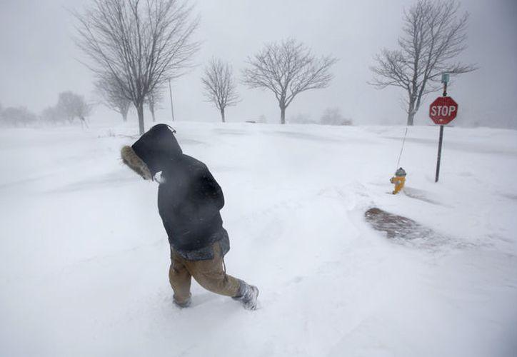 Este nuevo ciclón invernal es el tercero en cernirse sobre el noreste de Estados Unidos. (AP)
