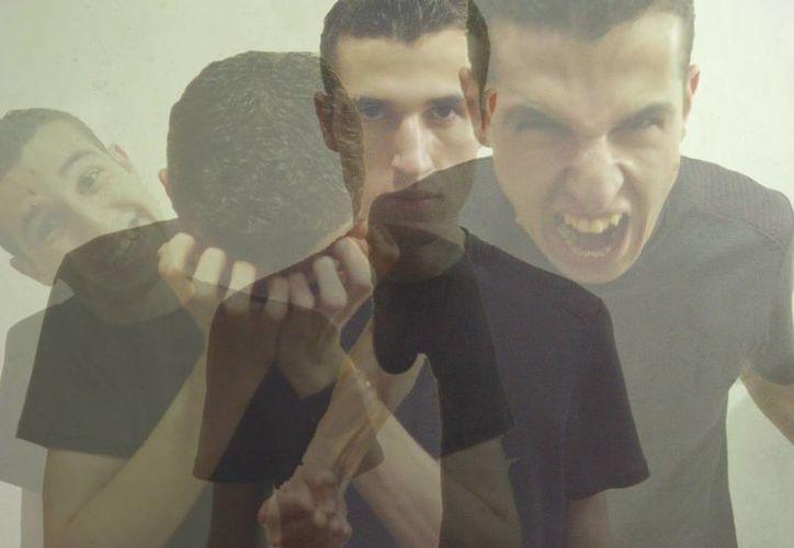 Las personas bipolares presentan episodios de manía intercalados con fuertes depresiones. (leanoticias.com)