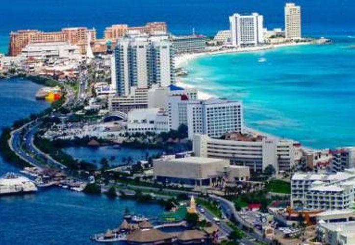 Cancún es uno de los destinos que más incrementó sus precios por noche en los hoteles al igual que Ixtapa. (Contexto/Internet)