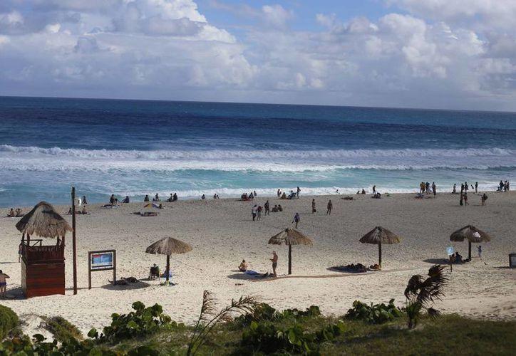 Sólo se tomarán muestra de siete playas del municipio. (Israel Leal/SIPSE)